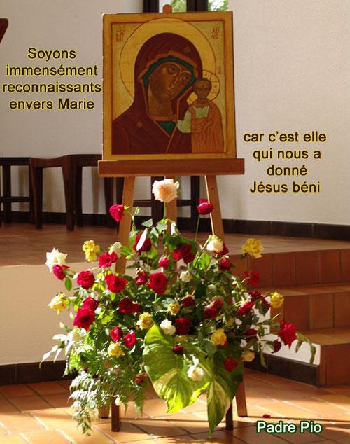Padre-Pio-reconnaissants envers Marie