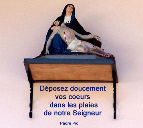 Padre-Pio-Déposez doucement vos coeurs