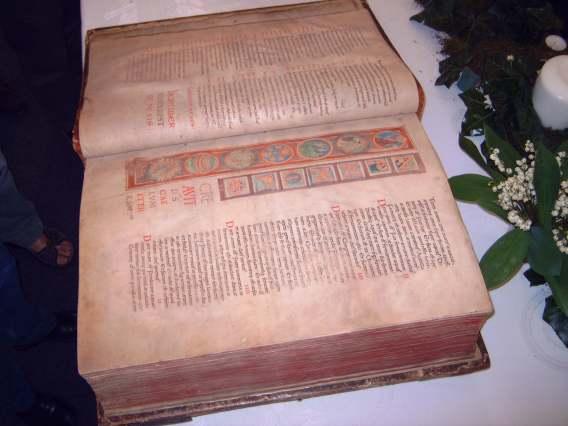 bible-lobbes01.jpg