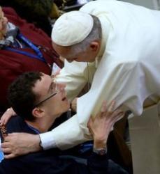Pape avec personne malade 240 0c336