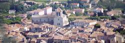 St Paul trois châteaux village